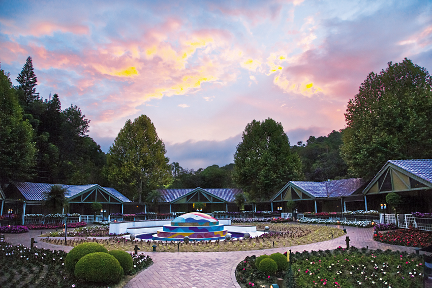 Unique Garden Hotel And Spa